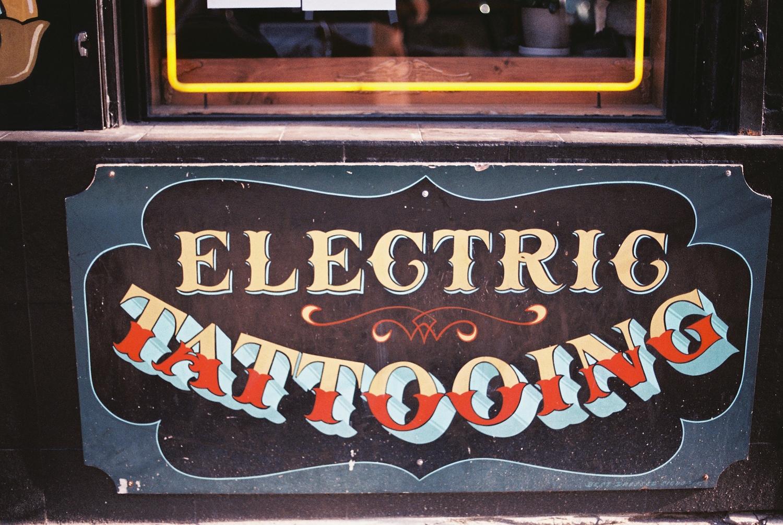 Williamsburg Brooklyn tattoo shop photo by wedding photographer wendy g